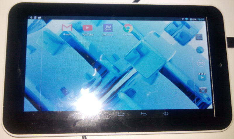 tablet WD701 front